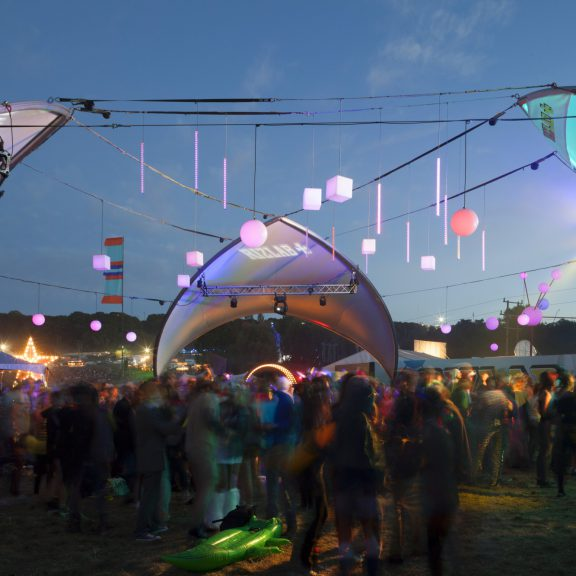 S1000 Trispan deconstructed saddlespan the ideal festival event structure with Apex branding