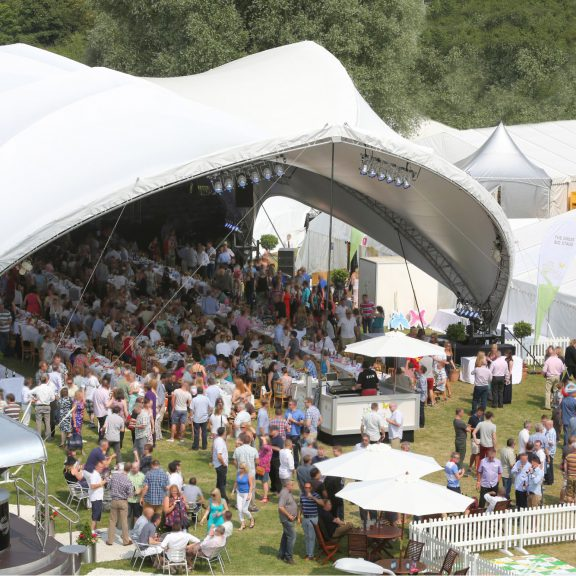 S5000 4Y Saddlespan concert the perfect outdoor corporate event structure