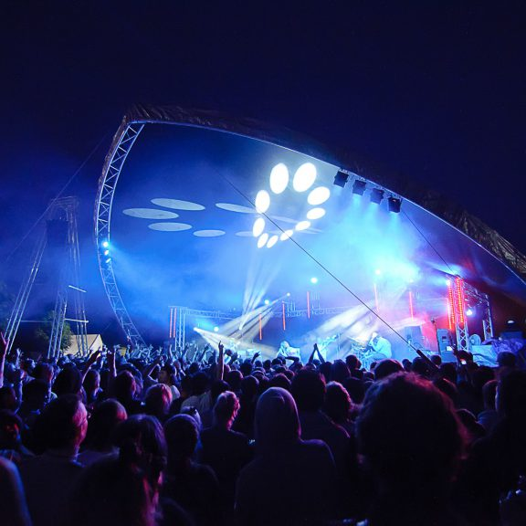 S5000 Saddlespan Concert the perfect festival stage and cover